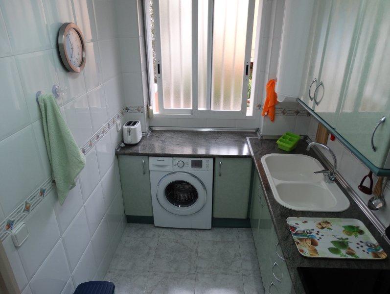 washing machine, oven , hob and fridge freezer