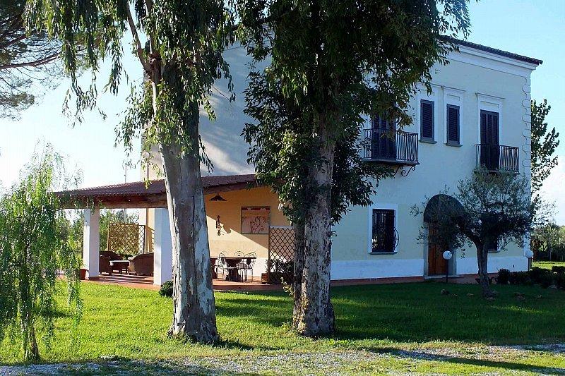 AZIENDA AGRICOLA IL MELOGRANO, location de vacances à Agropoli