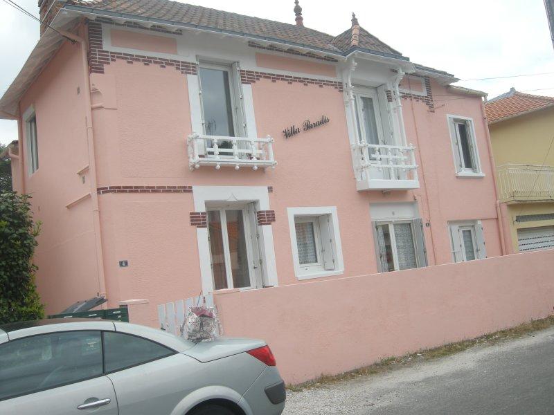 T2 a 150 mètres de la mer et des commerces, holiday rental in Saint-Brevin-l'Ocean