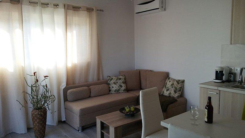 Nianthy Apartment #2 (2 bedrooms), location de vacances à Ladiko