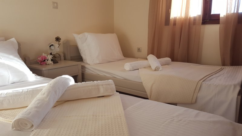Machi Villa With Private Pool Kefalas Crete, holiday rental in Kefalas