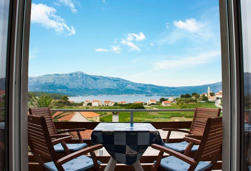 Apartment with Amazing View, House Baglija (2+2), location de vacances à Lumbarda