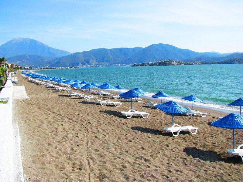 Calis longue étendue de plage est à quelques minutes de votre appartement.