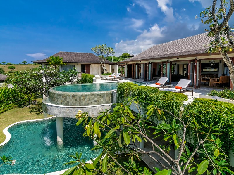 Villa Cantik Pandawa, 6BR, The Bukit, vakantiewoning in Ungasan