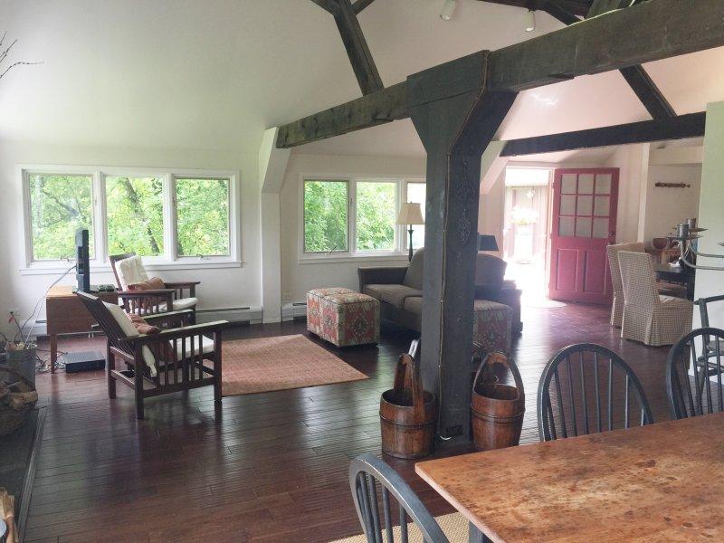 Salon ouvert et salle à manger