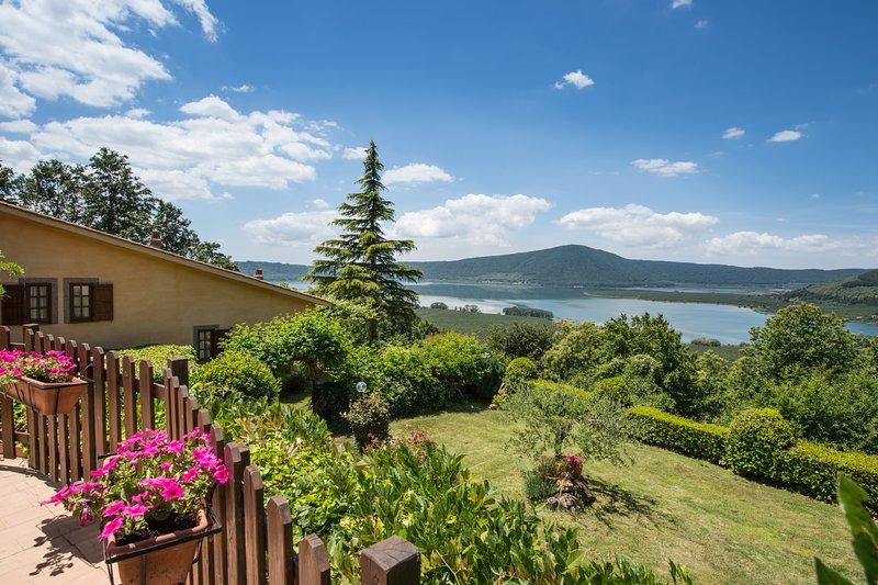 Great Holiday Home Cedro at lake near Rome