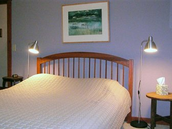 Starlight Llama - The Lavender Room, vacation rental in Hampshire County