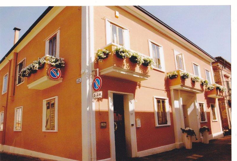 Casa Isabella Siamo una famiglia italiana che ama conoscere nuove persone, alquiler vacacional en Fossacesia Marina