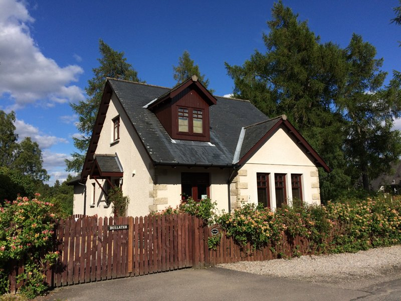 Dullatur self catering, Newtonmore, vacation rental in Dalwhinnie