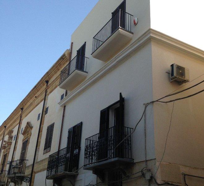 Appartamento in pieno centro storico. Ingresso indipendente, alquiler de vacaciones en Marsala