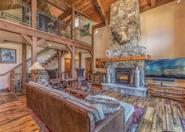 Award Winning Home Across from Purgatory - Hot Tub - Free Shuttle, holiday rental in Durango