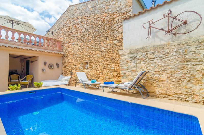 CA NA MISSA - Villa for 4 people in Llubí, holiday rental in Llubi