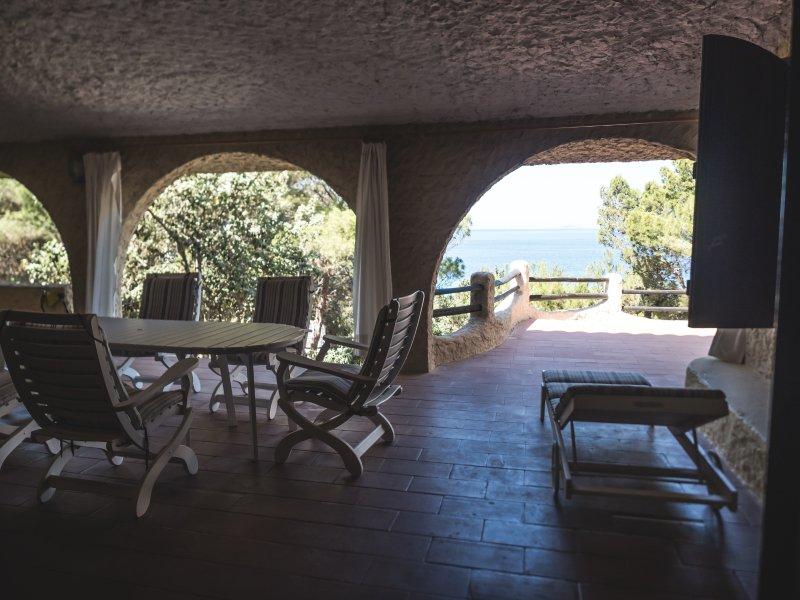 Villa Eliana Sul Mare, vacation rental in Province of Carbonia-Iglesias