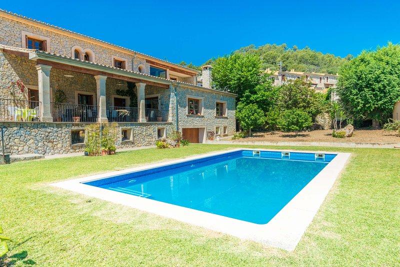 TURIXANT DALT - Villa for 10 people in Mancor De La Vall, vacation rental in Selva