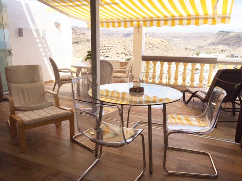 pared de cristal plegable combina el estudio con la terraza a uno (50 m²) lugar grande
