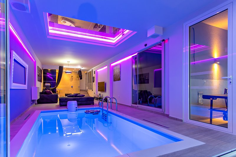Party Villa With Indoor Pool In The City Center Updated