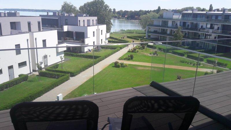 Siófok Balaton - luxury apartment - VIP lake area, holiday rental in Balatonakarattya