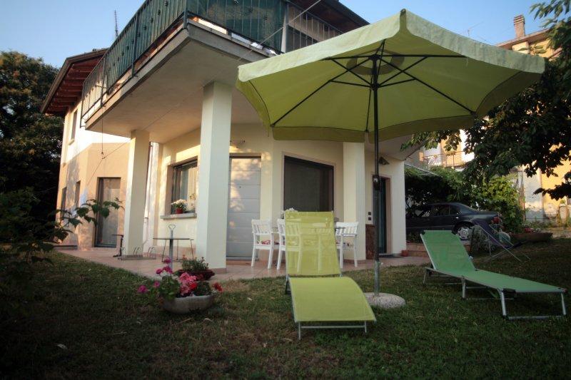 Casa Gaia in Franciacorta tra Brescia e Iseo, holiday rental in Torbole Casaglia