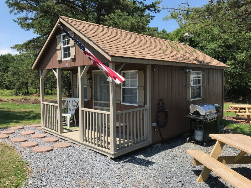 Rustic Primitive Tiny House Cabin Has Air Conditioning And