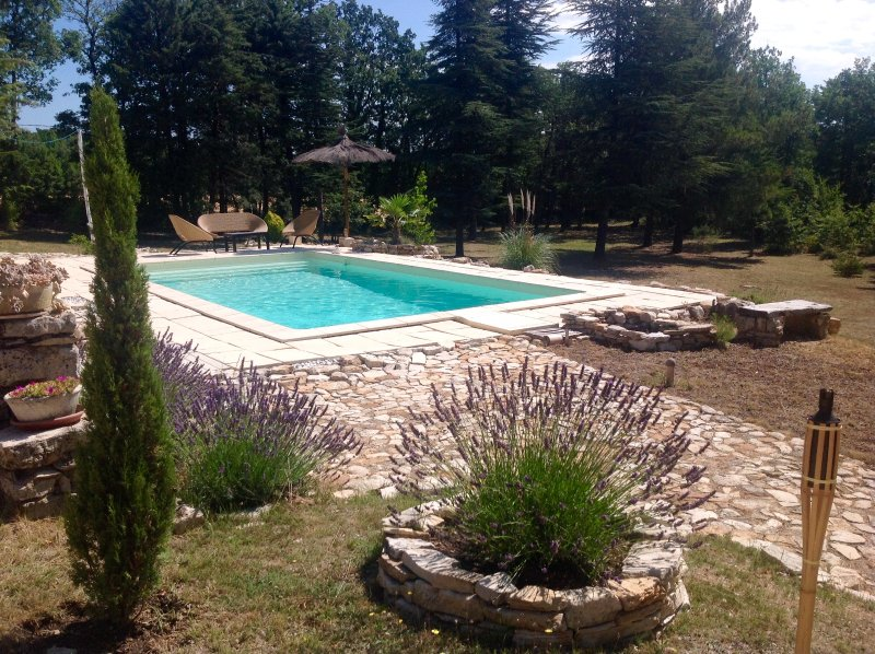 Le bastidon du Luberon, vacation rental in Rustrel
