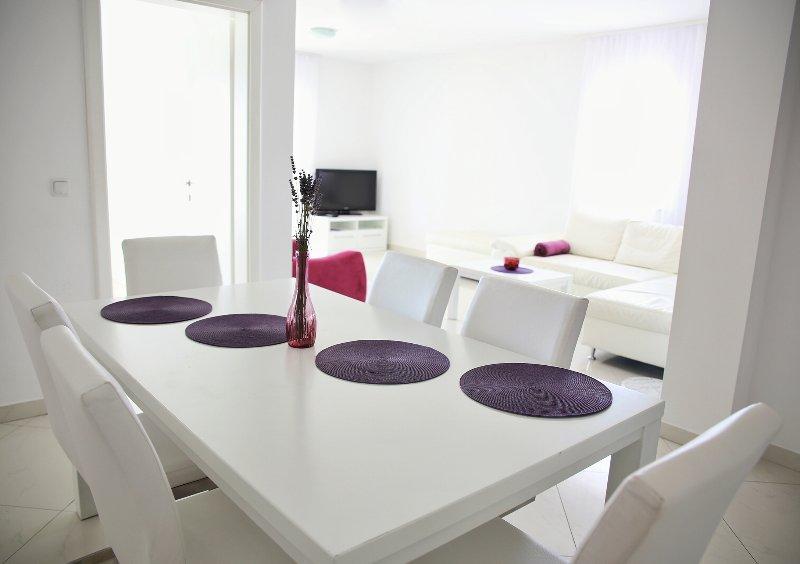 Séjour avec salle à manger