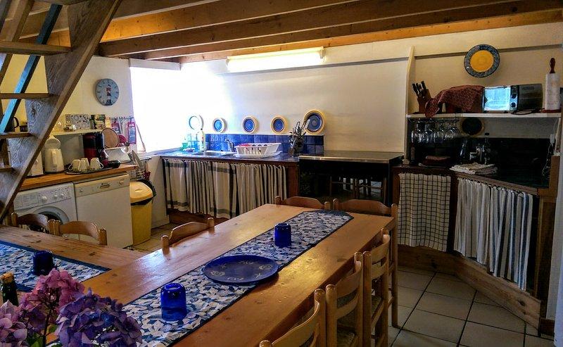 Open keuken met 5 pits gasfornuis