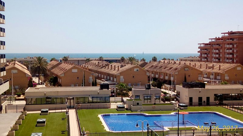 Beach apartment 100m from beach, sea views, gated complex, amazing pool, carpark, vacation rental in Port Saplaya