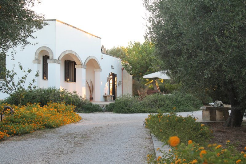 villa in campagna, vacation rental in Uggiano La Chiesa