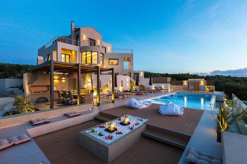 Lux Villa ★Top Sea View ★ Gym & 6 bedrooms★ Private Heated Pool, vacation rental in Kontomari