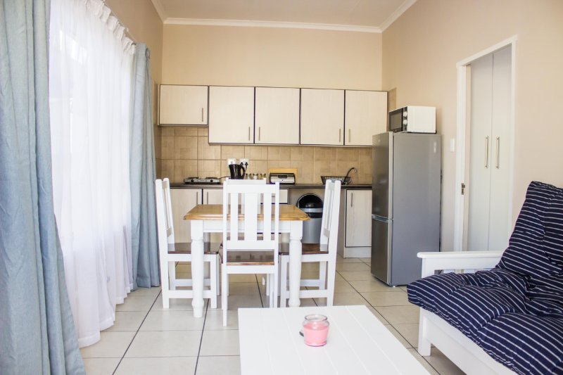 Umoya Cottages - Deluxe Cottage, vacation rental in Beachview