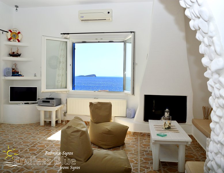 ENDLESS BLUE from Syros (Fabrika resort), vacation rental in Megas Gialos