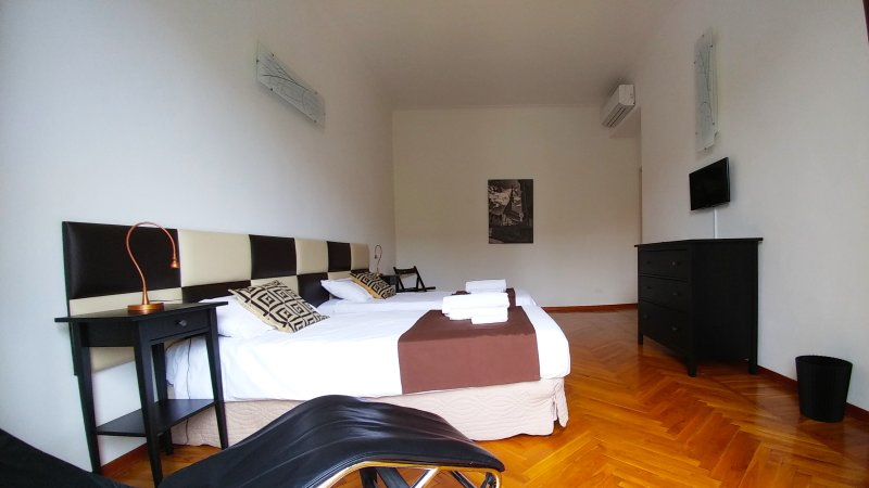 Room with two or three single beds with Air conditioning