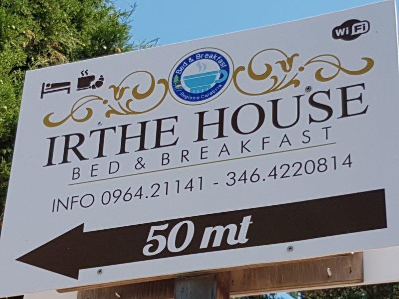 B&B IRTHE HOUSE - LOCRI, holiday rental in Gioiosa Ionica