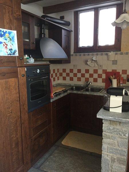 geräumige und helle Küche