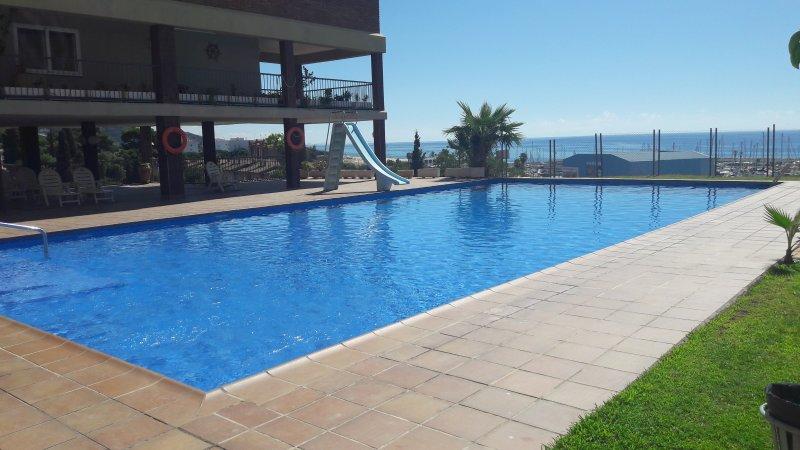 Tranquilidad junto al mar con piscina, alquiler de vacaciones en Arenys de Mar