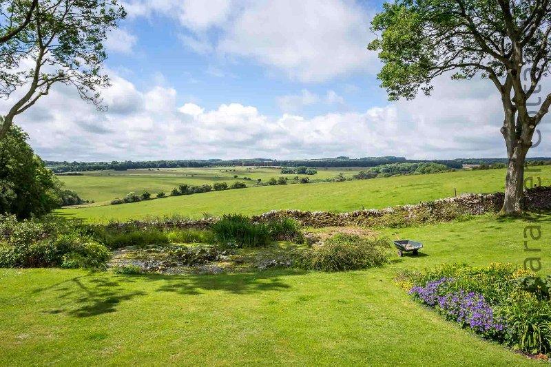 Una vista perfecta del campo de Cotswold desde el jardín