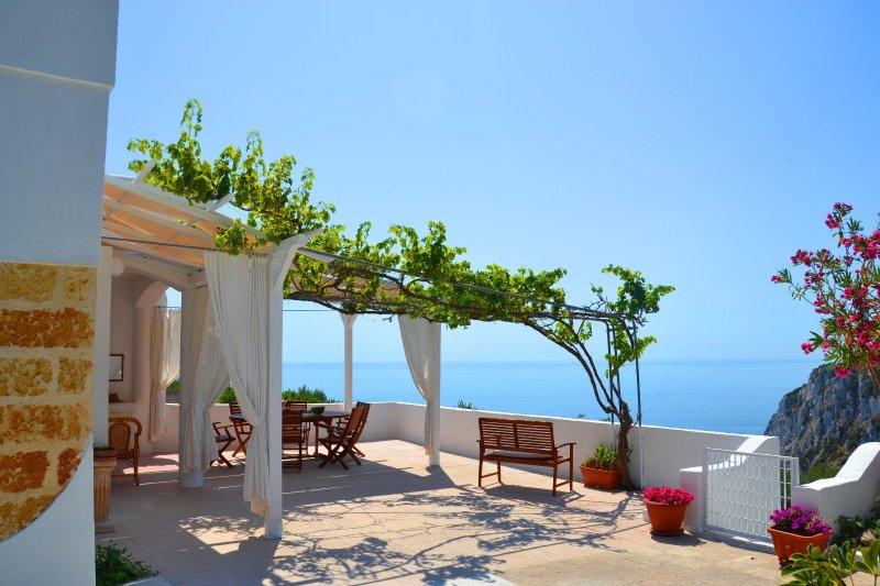 Villa Sonia a picco sul mare, vacation rental in Corsano