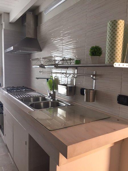 våningen modern och funktionellt kök
