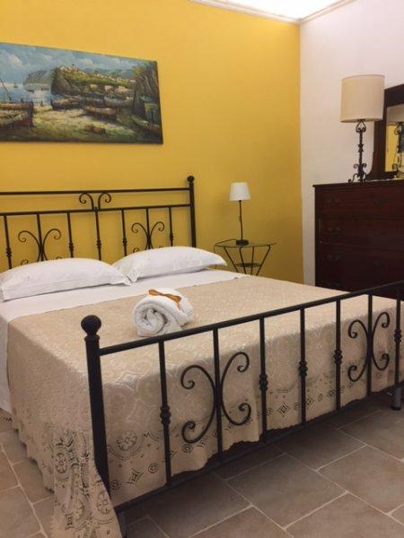 sovrummet vackert möblerade