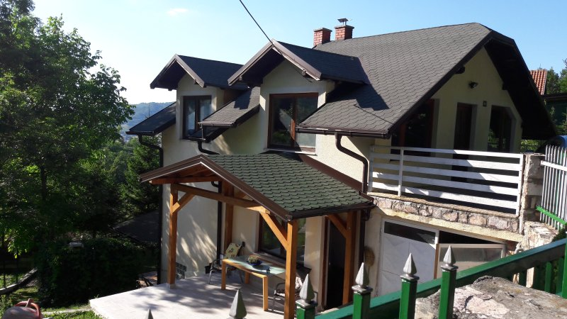 House in nature near city center, holiday rental in Semizovac