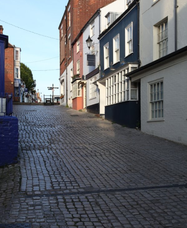 Lymington cobbled streets, leading to the Town Quay