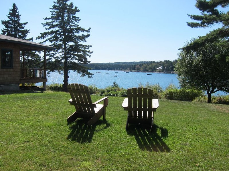 Oceanfront Cottage w/ Dock & Mooring - walking distance to Acadia, vacation rental in Seal Harbor