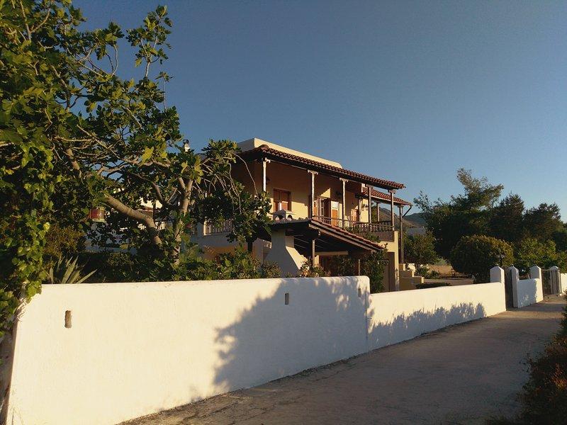 Explore Aegina Island, vacation rental in Saronic Gulf Islands
