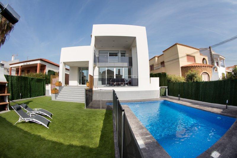 Precioso chalet de diseño cerca de la playa con piscina privada, vacation rental in Garrucha