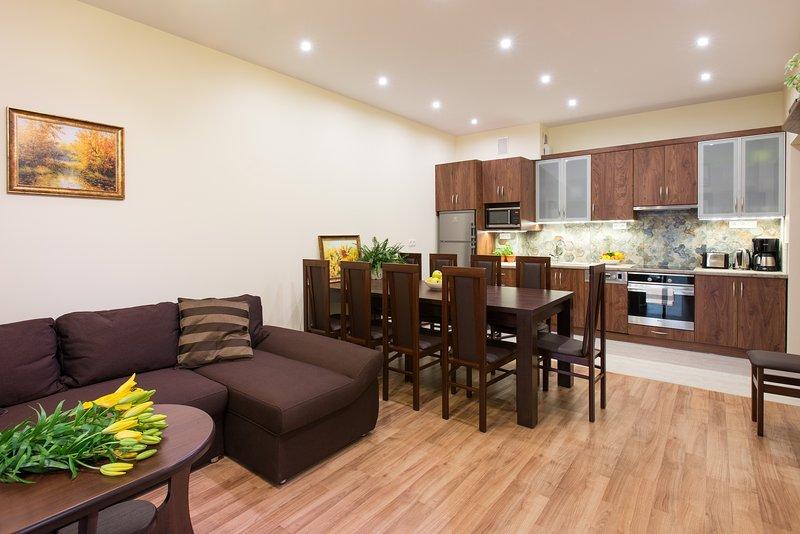 4bdr 2bth Vanilla 5 Apartment,city centre, lift, aircon. wifi, sauna, gym, Ferienwohnung in Krakau