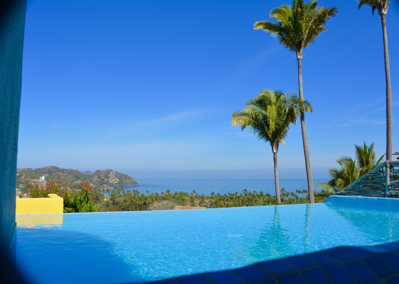 Infinity Pool on the rooftop terrace