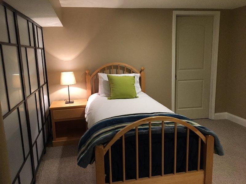 Semi/private bedroom.!