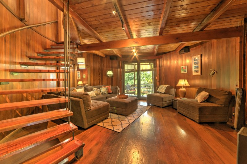Keaau House: Wraparound Porch & Proximity to Beach, vacation rental in Kapoho