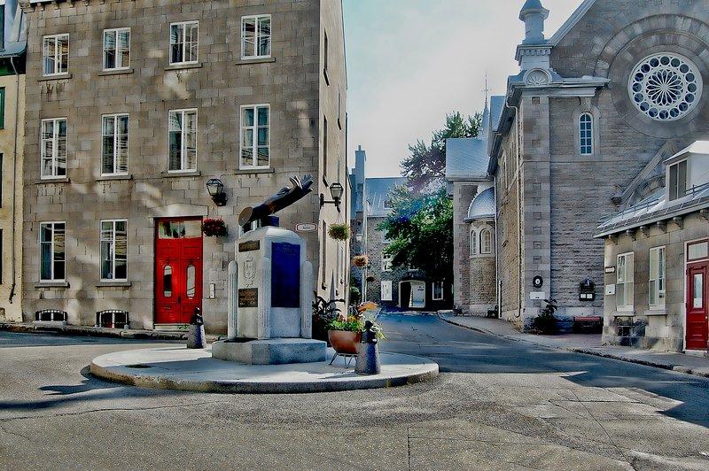La broma Casa Ursulinas través de la calle Donaconna del Monasterio Ursulinas