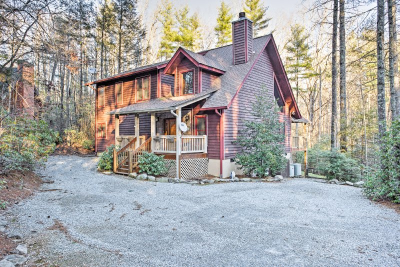 Surround yourself with lush forestry when you stay in this inviting 3-bedroom Sapphire vacation rental cabin.